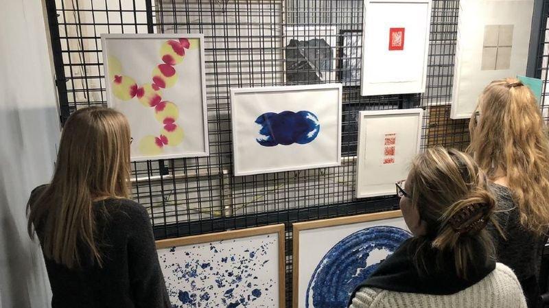 Créer du lien entre le public et les oeuvres d'art, un des buts de l'artothèque de Sion.
