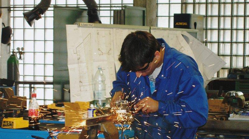 Des stages de transition pouvant déboucher sur un apprentissage dans la construction métallique sont désormais proposés en Valais. (Image d'illustration)
