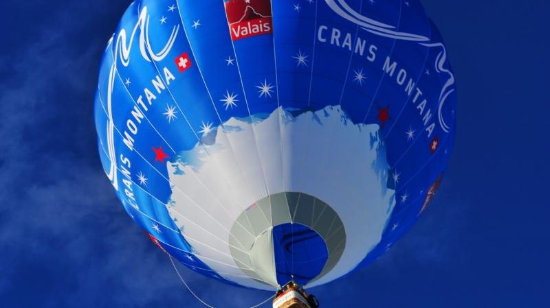 La montgolfière de Crans-Montana évoluera avec les autres aérostats.