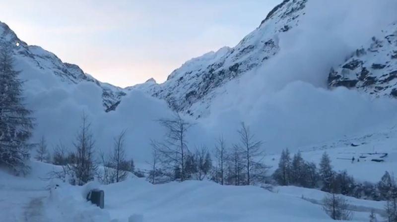 Vidéo: une saisissante avalanche déclenchée à Zinal