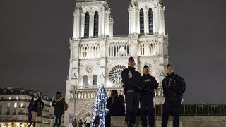 France: Paris sous haute sécurité pour le week-end du Nouvel An