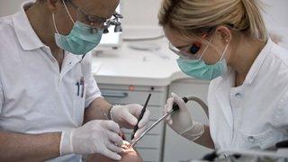 Bientôt une assurance dentaire pour les Vaudois? Le point sur l'accès aux soins en Suisse