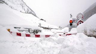 Avalanches: Zermatt à nouveau coupée du monde