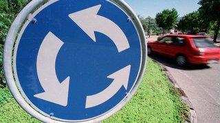 France: un septuagénaire fait 17 fois le tour d'un rond-point pour échapper à la police