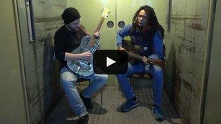 """The Two, duo blues né à Sierre, inaugure la """"Monte-Charge Session"""" du Nouvelliste: découvrez """"Feeling Blue"""" en vidéo"""