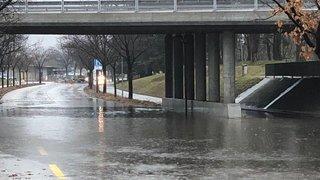 Intempéries: plusieurs routes inondées dans le Valais central