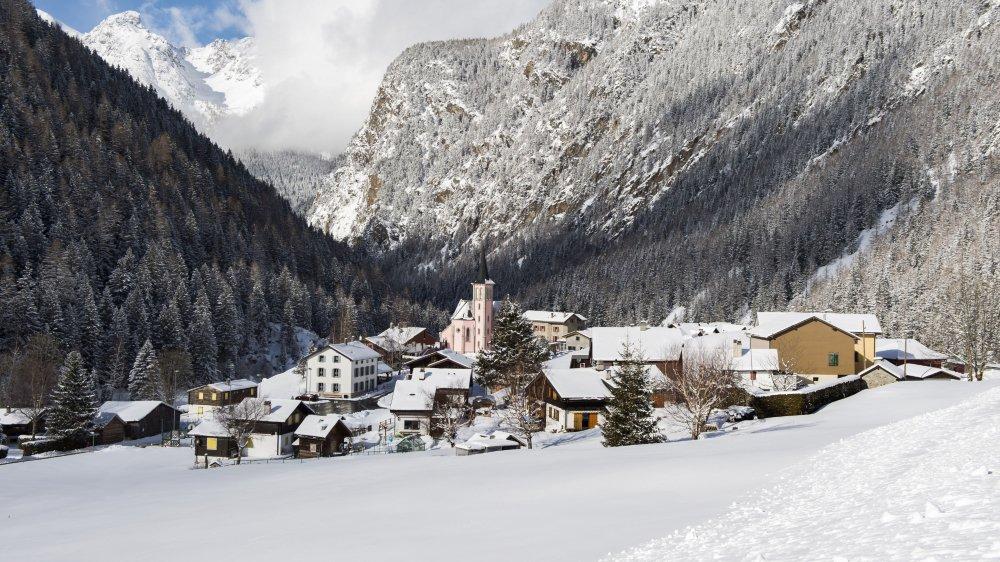 A la suite de l'éboulement du 13 janvier, le village de Trient n'est plus accessible par la route.