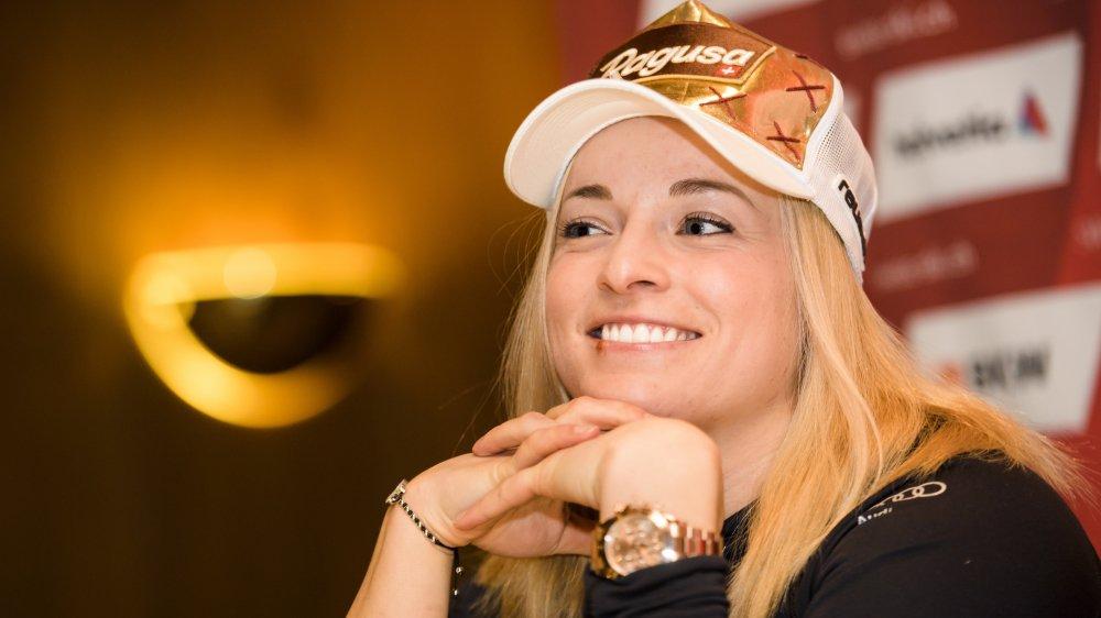 C'est toute sourire que Lara Gut s'est affichée devant la presse vendredi soir à Crans-Montana.