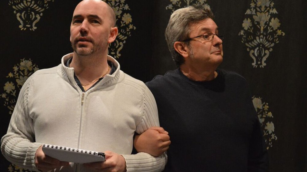 Le metteur en scène Stéphane Monay avec Alain Fickentscher.