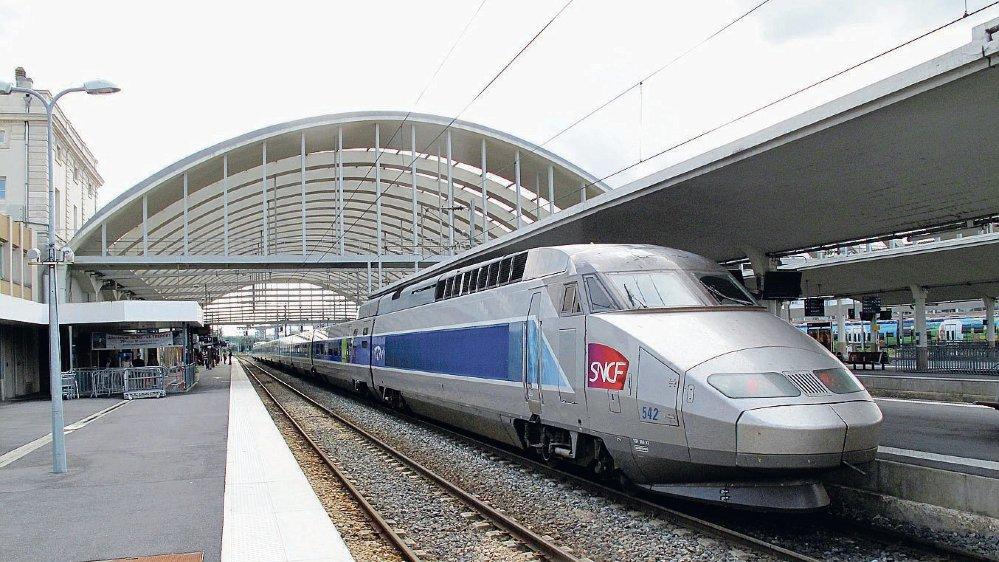 Le gouvernement français veut faire passer la réforme de la SNCF par le biais des ordonnances.