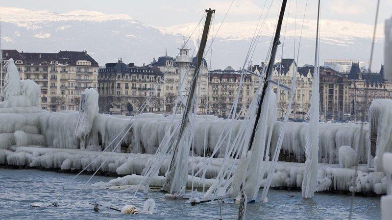 Le froid polaire pourrait provoquer des embruns congelants sur les rives des lacs comme en 2012 à Genève.