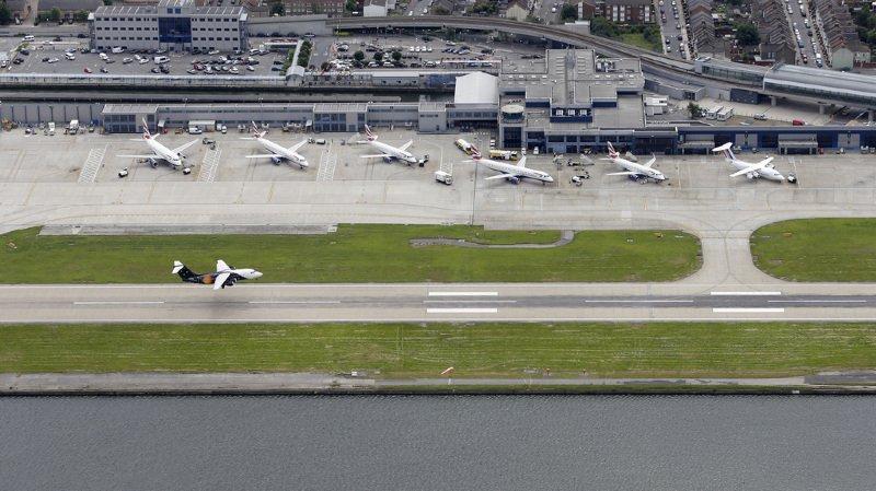 Grande-Bretagne: aéroport de Londres-City fermé à cause d'une bombe de la 2e Guerre mondiale