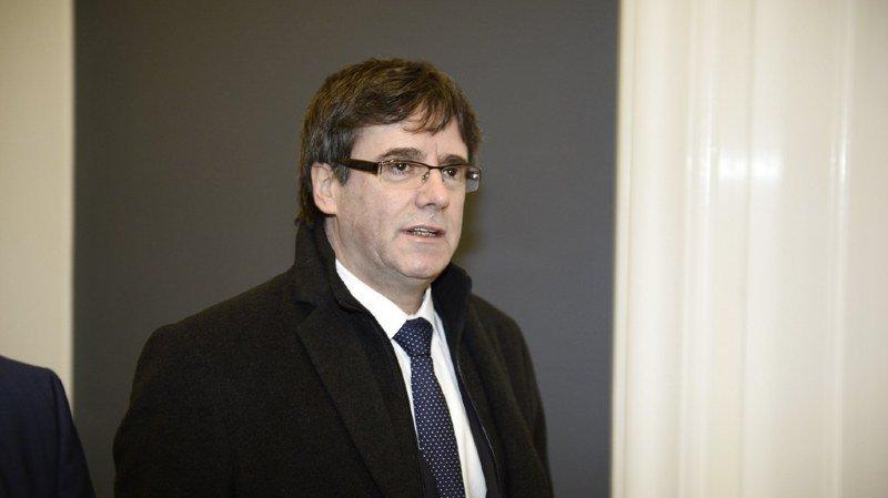 Catalogne: la justice espagnole suspend l'investiture de Puigedmont