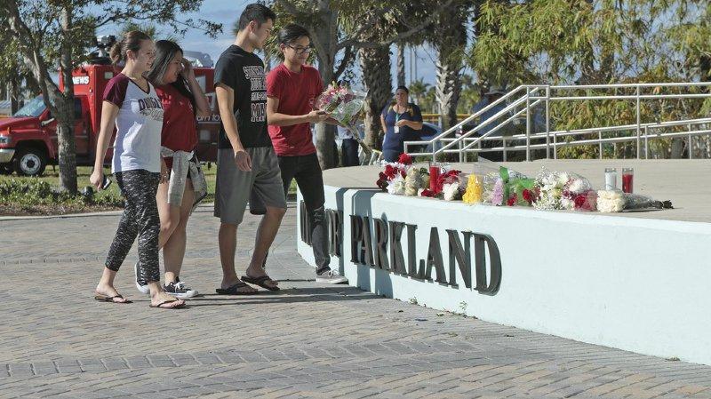Fusillade en Floride: la police admet avoir sous-estimé les messages alarmants sur le tueur