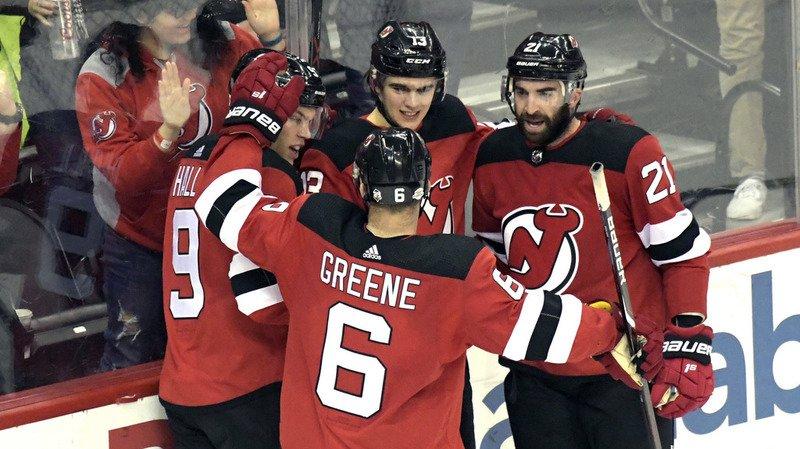 new concept 320f6 3f377 NHL: quatre buts en quatre victoires pour Nico Hischier