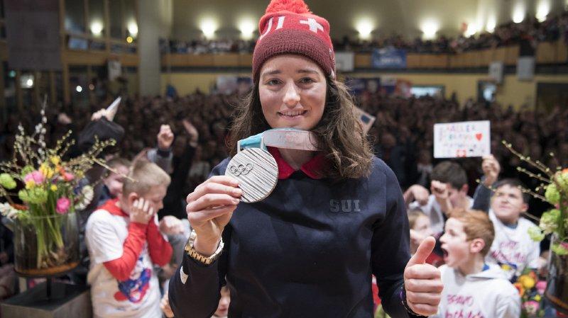 La vice-championne Olympique de ski slopestyle Mathilde Gremaud lors de la réception officielle organisée par la commune de La Roche le 22 février 2018.