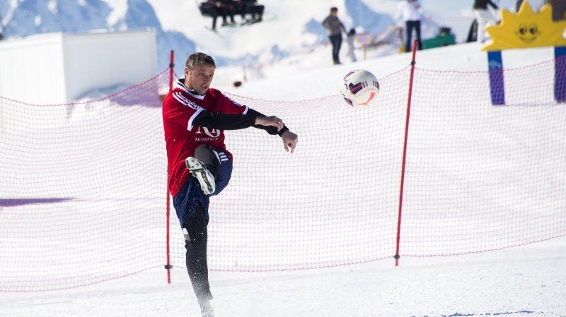 Mouiller le maillot  de foot sur la neige
