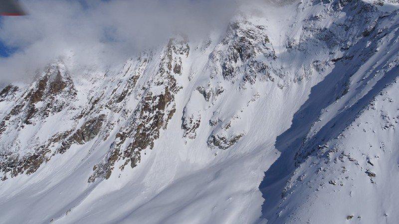 Quatre personnes emportées par une avalanche en Suisse