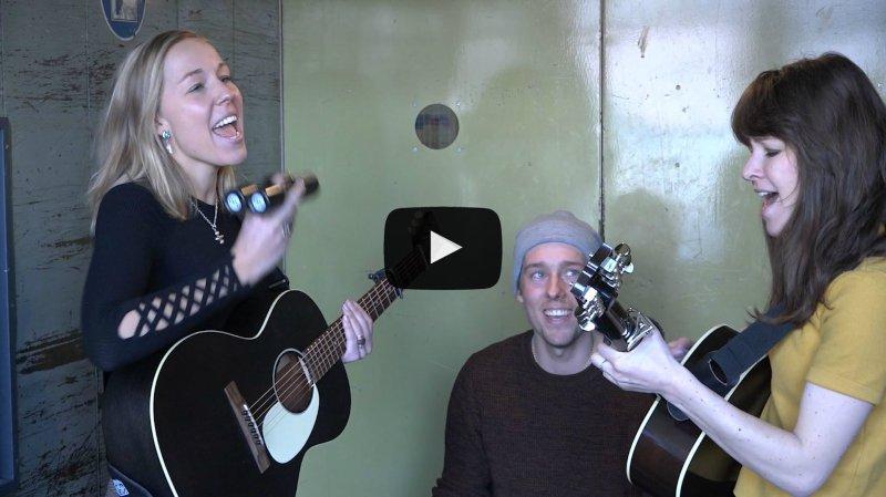 """Wintershome, le groupe pop folk de Zermatt, passe par la """"Monte-Charge Session"""" du Nouvelliste avec son titre """"Move On"""""""