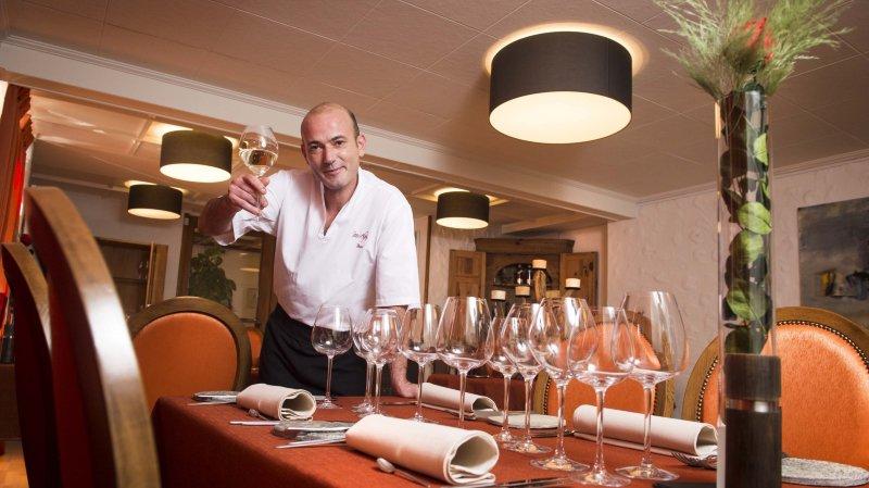 Samuel Destaing, chef et patron du restaurant Les Alpes à Orsières, en fermera définitivement les portes le 31 mars prochain.