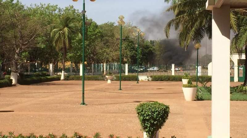 Des attaques armées étaient en cours vendredi dans le centre de Ouagadougou, au Burkina Faso.