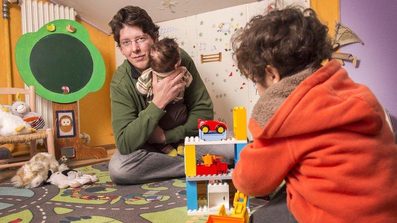 Laurent Clavien ne travaille qu'à 60% pour s'occuper de ses deux enfants.