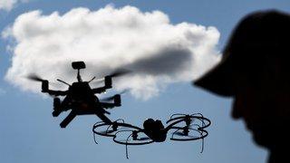 Un pistolet anti-drones grison fait sensation