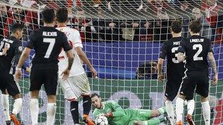 Football - Ligue des Champions: Manchester obtient le nul à Séville, Rome battue par le Shakhtar Donetsk