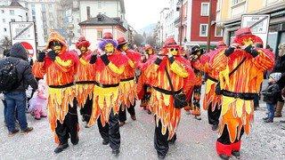 Carnaval: le cortège de Sierre et le bonhomme hiver de Muraz