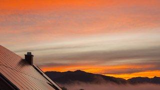 Energie: quatre distributeurs valaisans lancent un nouveau produit de stockage pour l'électricité photovoltaïque