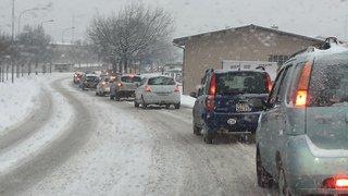 Neige: c'est la pagaille sur les routes valaisannes