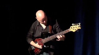 Patrick Perrier: le bassiste passe de l'ombre à la lumière