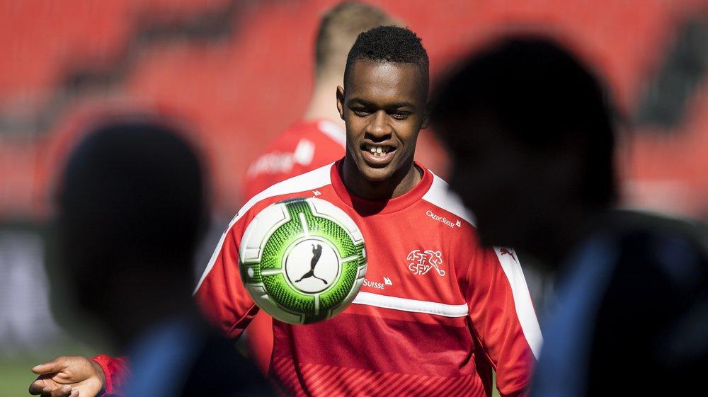 Edimilson Fernandes a repris l'entraînement il y a deux semaines avec West Ham. Il se trouve actuellement avec l'équipe de Suisse M21.