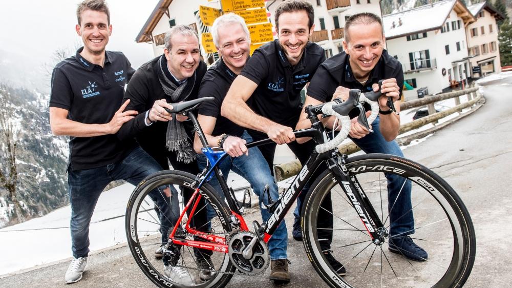 Sébastien Reichenbach (à gauche) pousse ses collègues du comité dans les rues pentues de Finhaut:  Pascal Priamo, Cédric Revaz, Jérémy Reichenbach et Alain Gay-des-Combes.