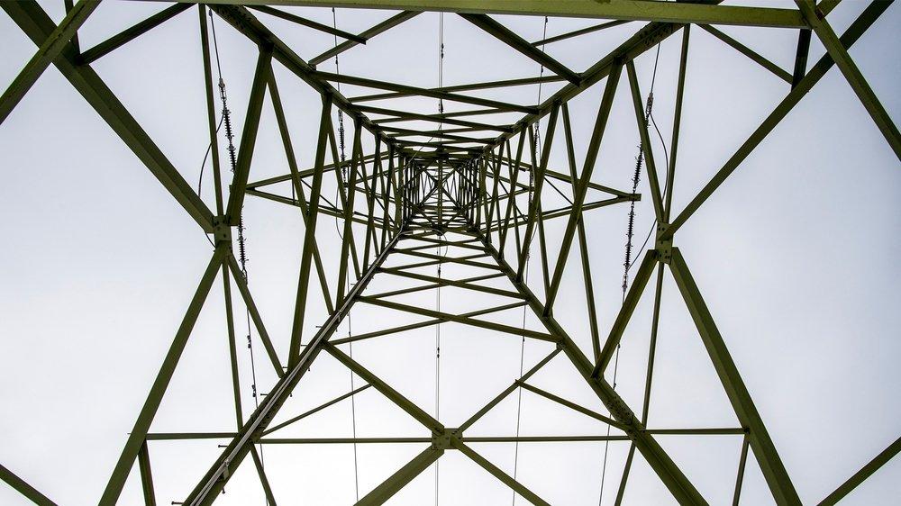 Les politiques veulent convaincre Swissgrid de déplacer quatre pylônes à Grône et un à Chalais.