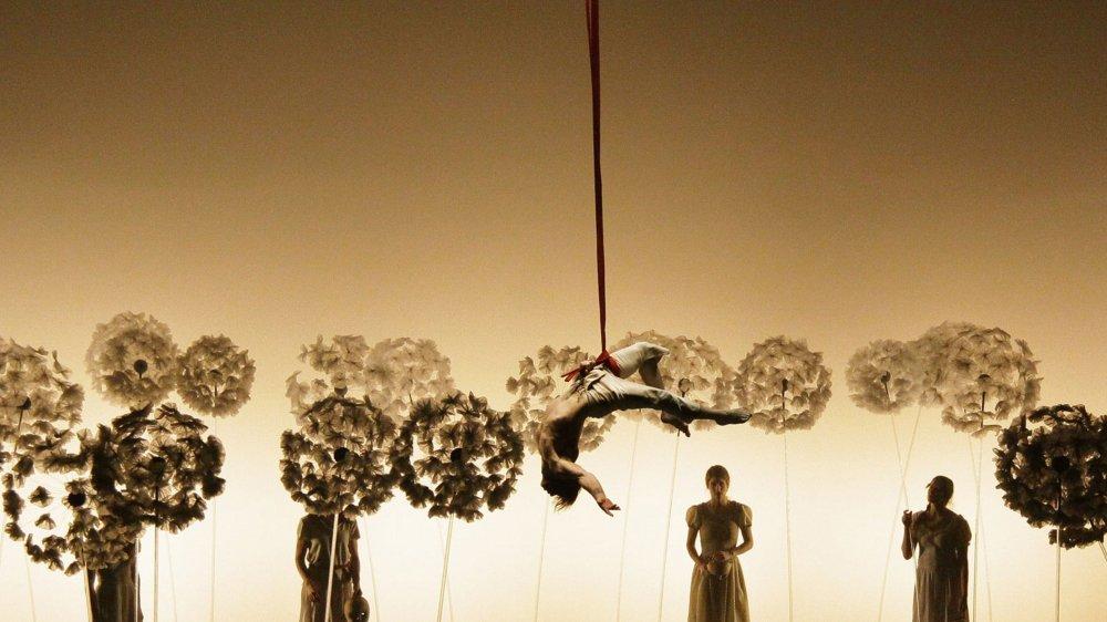 La Cie Finzi Pasca était venue en 2015 au Théâtre du Crochetan jouer le spectacle «La Verità». Un moment de poésie totale pour la compagnie d'un artiste suisse qui est un des plus reconnus à l'international.