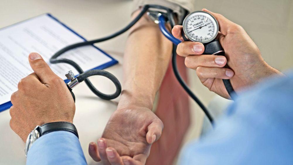 Les professionnels valaisans de la médecine libérale ambulatoire qui espèrent voir leur point TARMED passer de 82 à 92 centimes devront attendre l'automne prochain au mieux pour connaître le verdict du Conseil d'Etat.