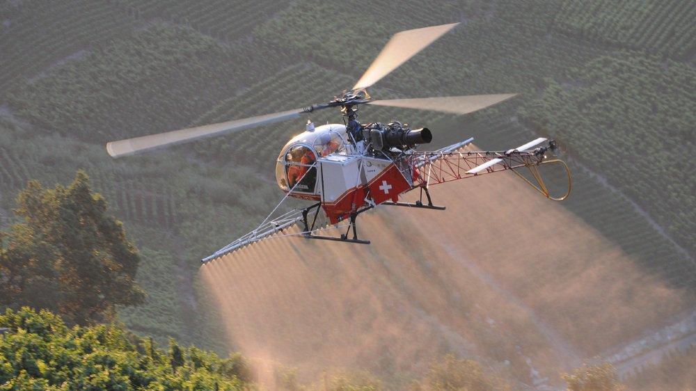 Si officiellement, seule la commune de Chamoson est certifiée bio pour ces traitements par voie aérienne, plusieurs groupements de vignerons sont en train de revoir leurs conditions d'épandage.