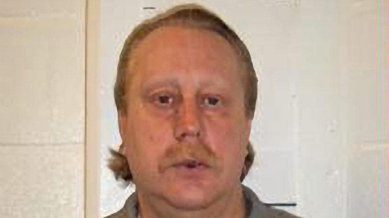 M. Bucklew, 49 ans, se trouve dans le couloir de la mort depuis deux décennies pour avoir tué en 1996 le nouveau petit ami de son ex-compagne.