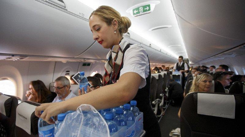 Petite consolation: une bouteille d'eau minérale et un chocolat seront offerts à tous les passagers.