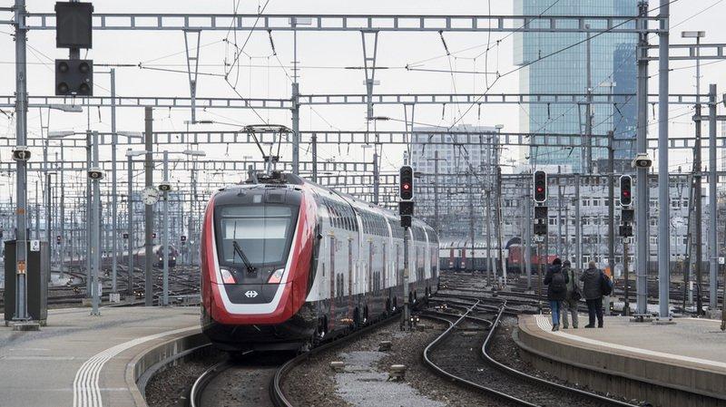 """Les CFF testent l'""""arrêt sur demande"""" dans des trains"""