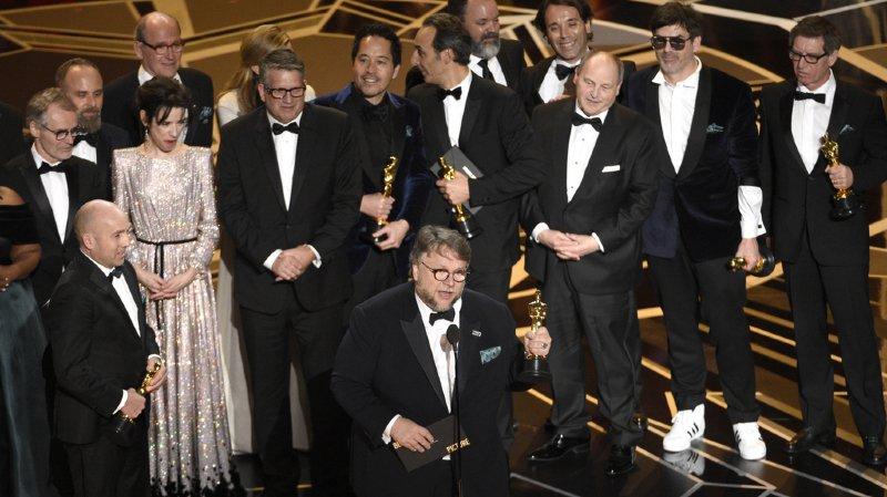 """Cinéma: """"La Forme de l'eau"""" rafle quatre Oscars, Frances McDormand et Gary Oldman récompensés"""