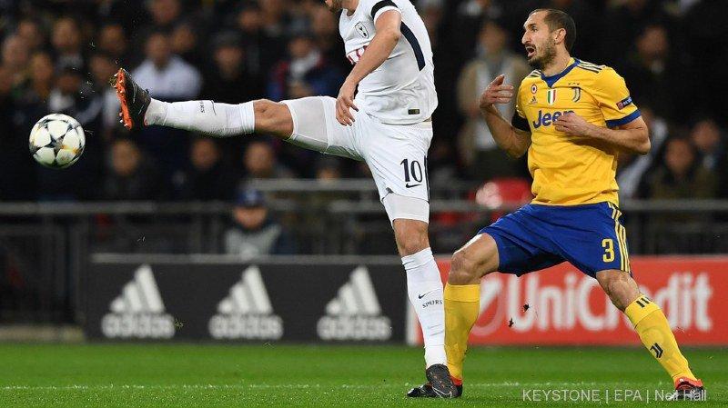 Football: Tottenham gagne mais perd Harry Kane, blessé à la cheville