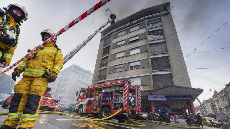 Incendie à Genève: le feu a été maîtrisé mais les appartements restent inhabitables