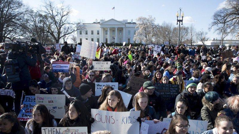 Etats-Unis: les élèves américains lancent un appel contre les armes à feu