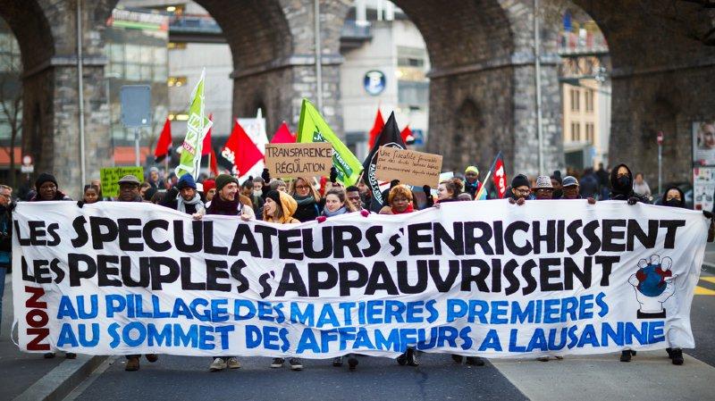 Lausanne: 250 personnes dénoncent le négoce des matières premières