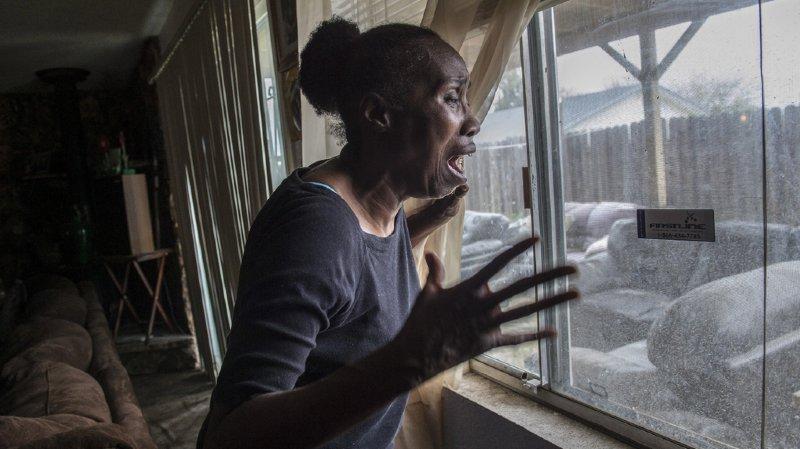 La douleur de Sequita Thompson, la grand-mère du jeune homme, qui l'a vu mourir sous ses yeux.
