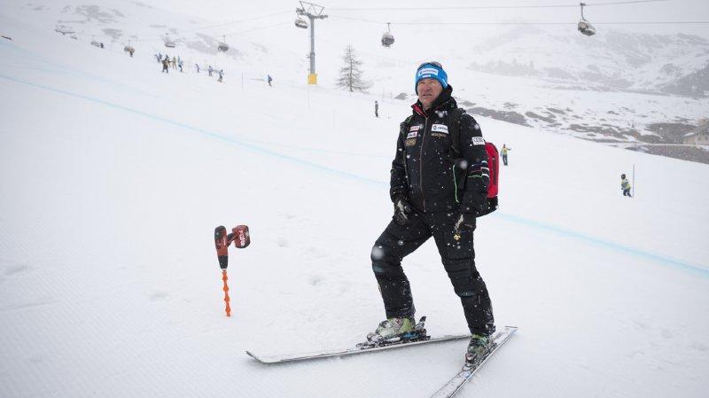 Tschuor (49 ans) a passé les trois dernières années comme chef de la relève. Sous sa houlette, des athlètes comme Marco Odermatt, Loïc Meillard, Mélanie Meillard, Camille Rast, Katja Grossmann et Aline Danioth ont émergé au plus haut niveau.