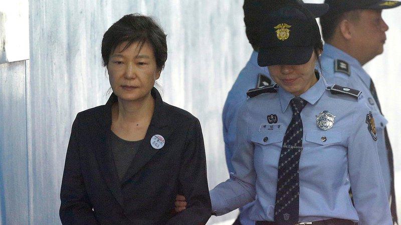 Corée du Sud: l'ex-présidente Park condamnée à 24 ans de prison pour corruption
