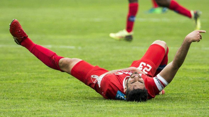 81e minute de jeu à Lucerne dimanche: Eray Cümart tombe et se tient l'épaule. Ca ne sent pas bon pour le FC Sion.